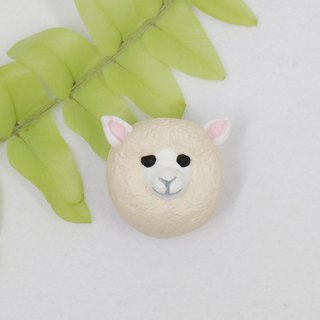 Small sheep brooch (pin / magnet) | hand | animal | accessories | jewelry |