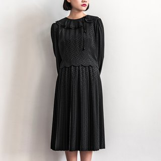 Vintage pure black petal with long sleeved dress