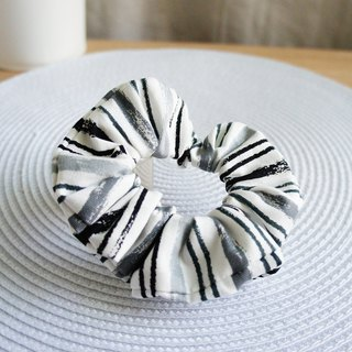 Lovely【Japanese cloth order】Crayon hair tress, colon ring, donut hair bundle 【Gray black】