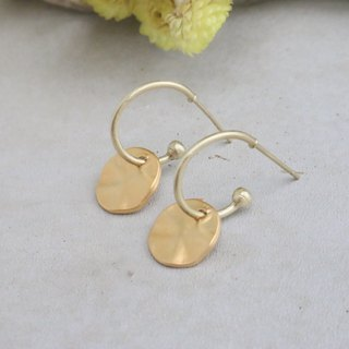 Brass earrings 1091 walk
