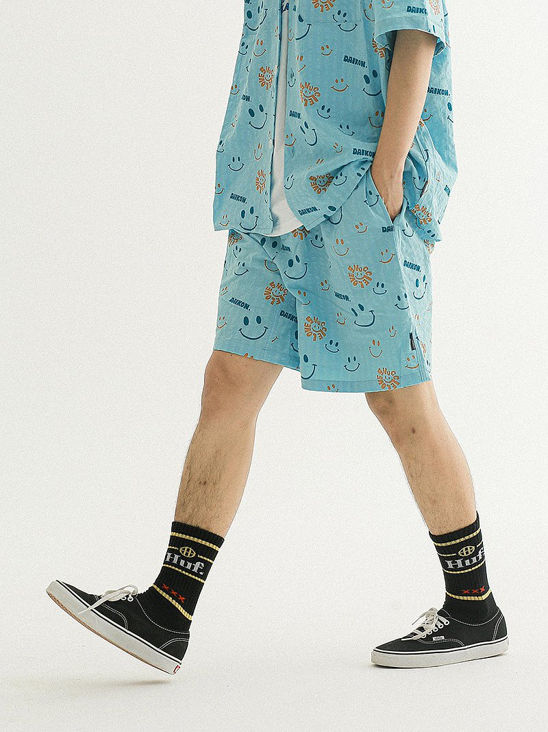 DAIKON Seersucker Shorts trend new retro casual loose seersucker smiley shorts men and women