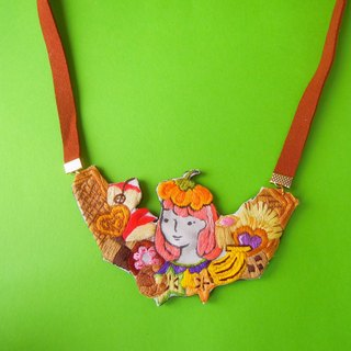 "Pumpkin ""Little me""  biscuits administrators necklace"