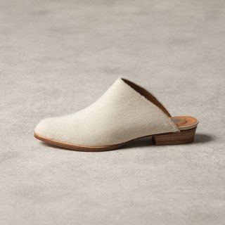 ZOODY / Lichen / handmade shoes / flat back slippers / milk white