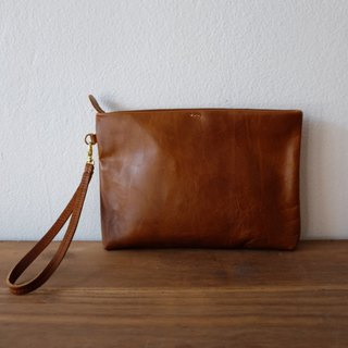 Simple Leather Wristlet Clutch Bag / Tan Leather Purse.