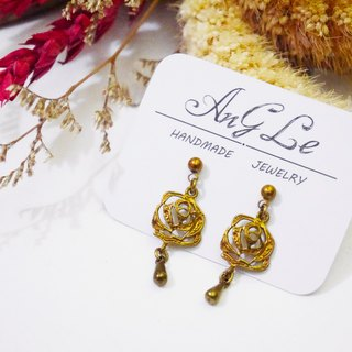 ❡ Dangle rose earrings
