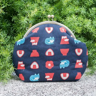 [Cat rice ball Fuji mountain] (blue) retro metal mouth gold bag - big section # carry bag # diagonal bag