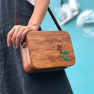 Yuansen hand made autumn pure hand-embroidered acorn wood bag