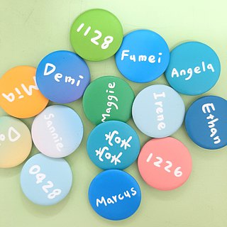 | Badge magnet | Customized Chinese name (32 colors can be selected)