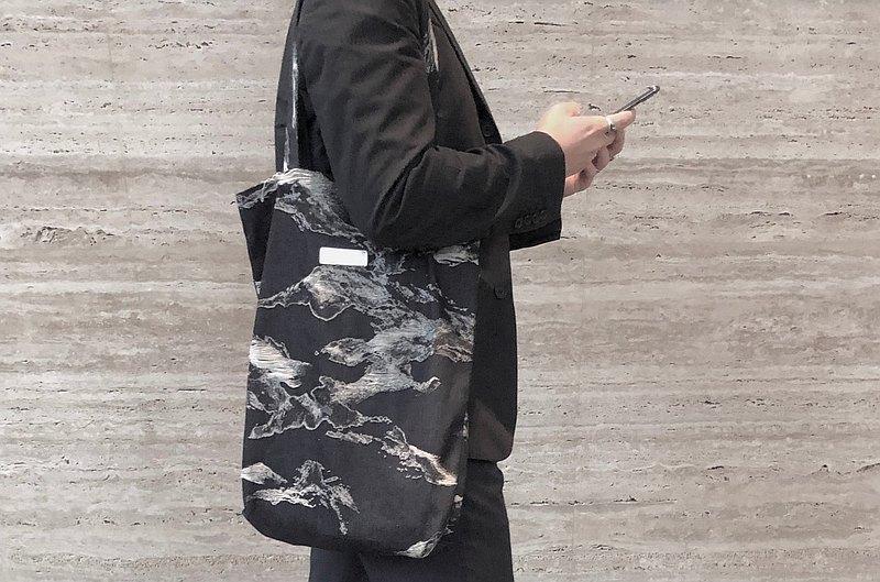 織物系列—丹寧布 水墨織紋提袋: 朱振南【白色世界】