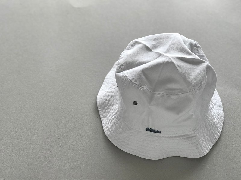Hand embroidery / Cotton Hat / white / unisex