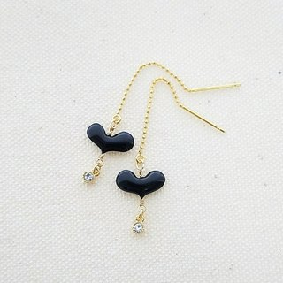 plump heart & bijou pierced earrings or clip-on earrings <black>