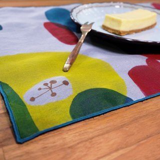 Painted stained placemat Garden