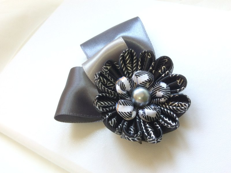 Silver black flower brooch or hairpin