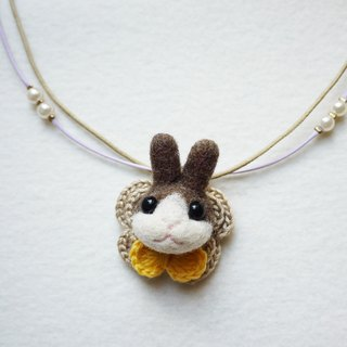 Petwoolfelt - Needle-felted brown rabbit 2-ways accessories (necklace + brooch)