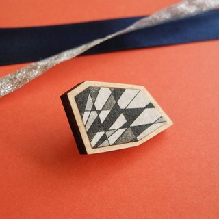 The lapel pin of etching print and wood <The pieces of ores / Black>