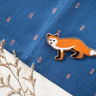 Maotu - Embroidery pins / patch (fox)