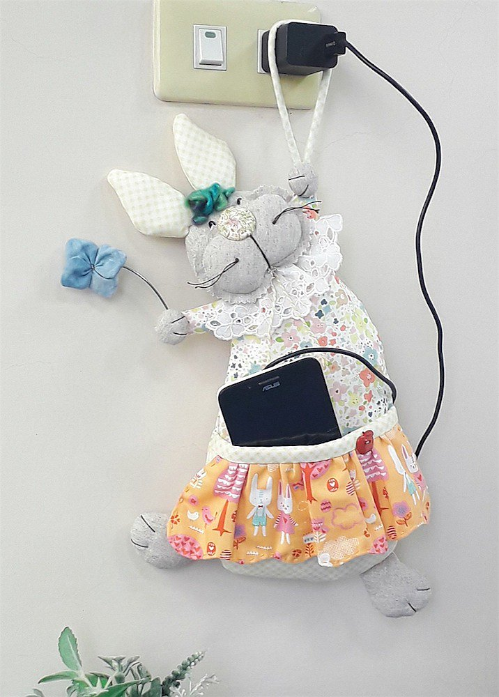 療癒造型掛飾 / 調皮兔手機充電掛袋  / 掛式雜貨收納袋
