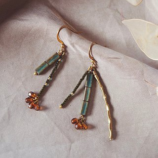 Asymmetrical pyrotechnic brass ear hook green