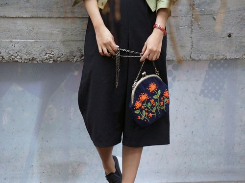 bush Ixora hand-embroidered shoulder bag mouth gold package Christmas gift exchange