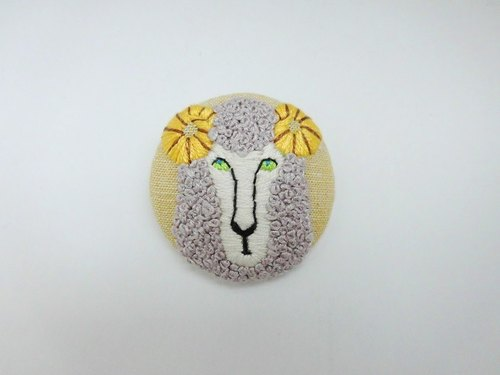 Sheep handembroidery brooch