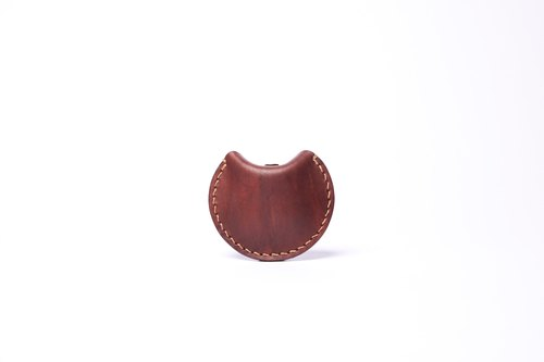 HIKER Leather Studio // Round Purse_Median brown color