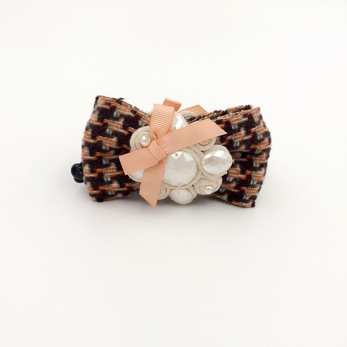Plaid cotton bow. Banana clip
