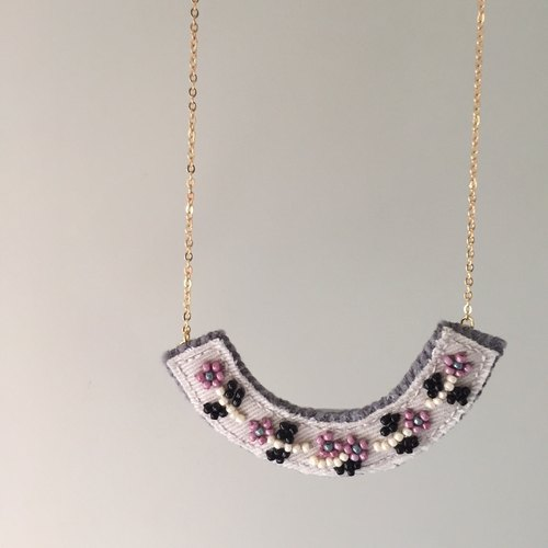 "[Bluesy Mod] --- Beaded Embroidery necklace. Beaded embroidery flower necklace. ""Pink flowers"" (BEY3)"