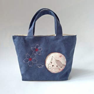 Outside the box - cat blue zippered laminated tote