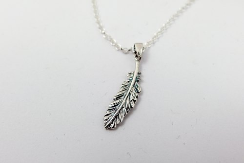zo.craft feather necklace (small) Black money / 925 sterling silver