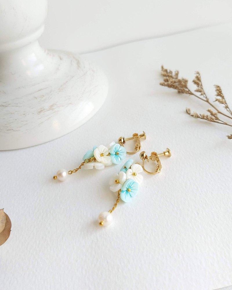 Aiyana 湖藍繡球花 垂墜淡水珍珠 花環 復古系列耳環 - 耳針/耳夾