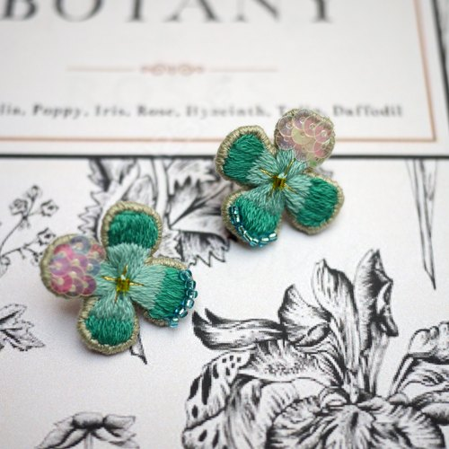 [Flower room training hand embroidery] transparent embroidery earrings