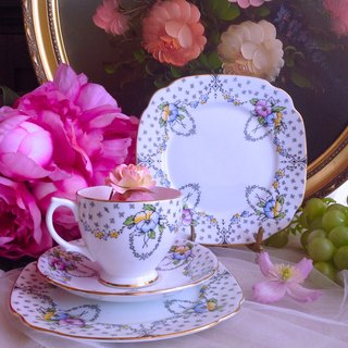 ♥ ♥ Annie crazy antiquities to the British antique hand-painted bone china Windsor1950年手绘古董花茶杯咖啡杯两件组 ~ worth collecting