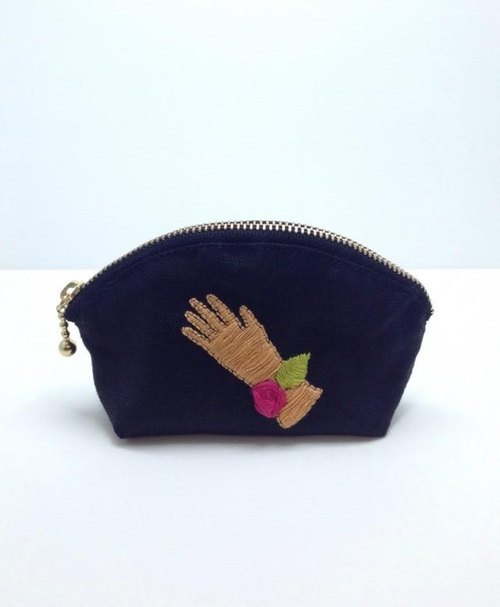 Glove embroidery mini shell pouch