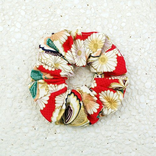 Japanese-style pill daisy bundle _ red / large intestine ring donut hair ring