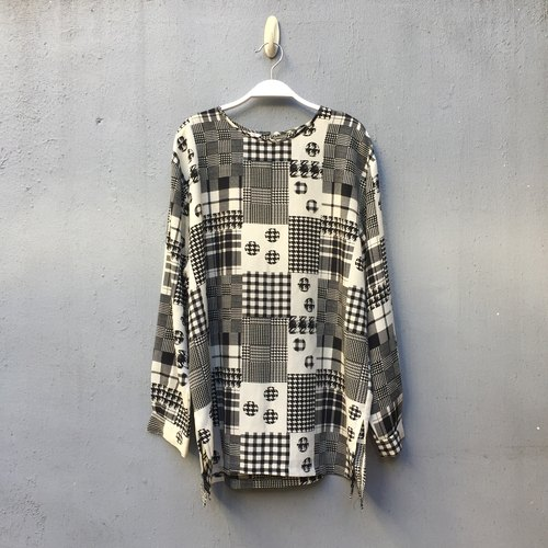 {} Black and white vintage totem chiffon shirt Japan