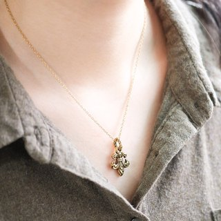 Individual Iris Flower Lily Double-sided Carved Pendant Necklace - Brass Pure Copper Jewelry