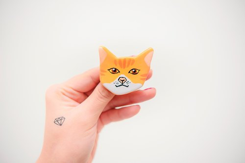 Pet Gamble Cat Series / Orange Cat Neone Handle / Brooch
