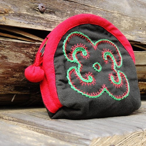 Valjulu beaded purse (butterfly) // horse tribal Hands - Customized