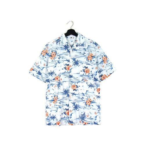 Back to Green :: Summer Clouds / Men and Men Wear // vintage Hawaii Shirts (H-02)
