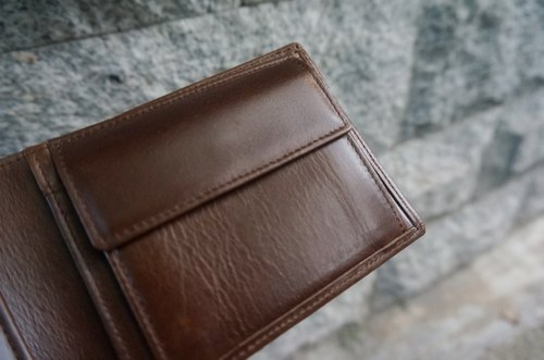 Sienna leather can be installed in accordance with the driver's license of the short wallet