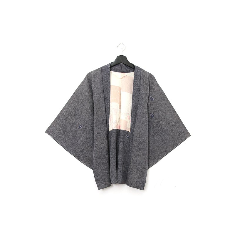 Back to Green-Japan brings back feather texture gray flowers/vintage kimono