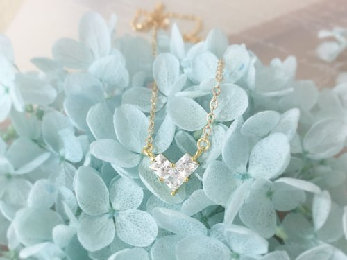 [Limited 1] small charming heart-shaped zircon zygomatic chain / necklace /