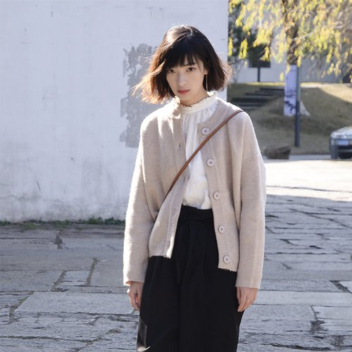 Minimalist round neck sweater cardigan - light beige | sweater | cotton blend | independent brand | Sora-97