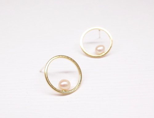 """Two silver"" [geometric series - brass plated 18K gold round pearl earrings] (one pair)"
