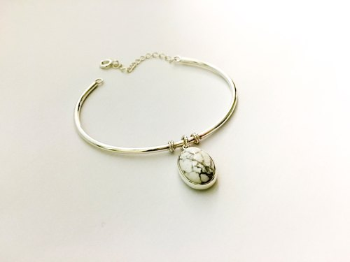 Custom-made bracelet - White stone bracelet