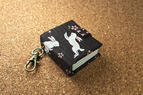 [Rabbit] Day and ‧ cherry mini key ring with this customized 5cmX4.3cm- small objects