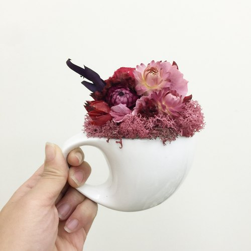 ✦ ✦ romantic red cup dried flower / flower eternal life of dried flowers hand-made / Valentine's gift birthday gift home decoration