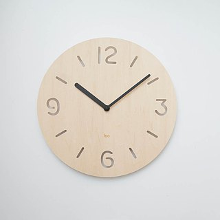 LOO wooden mute wall clock | Round numbers