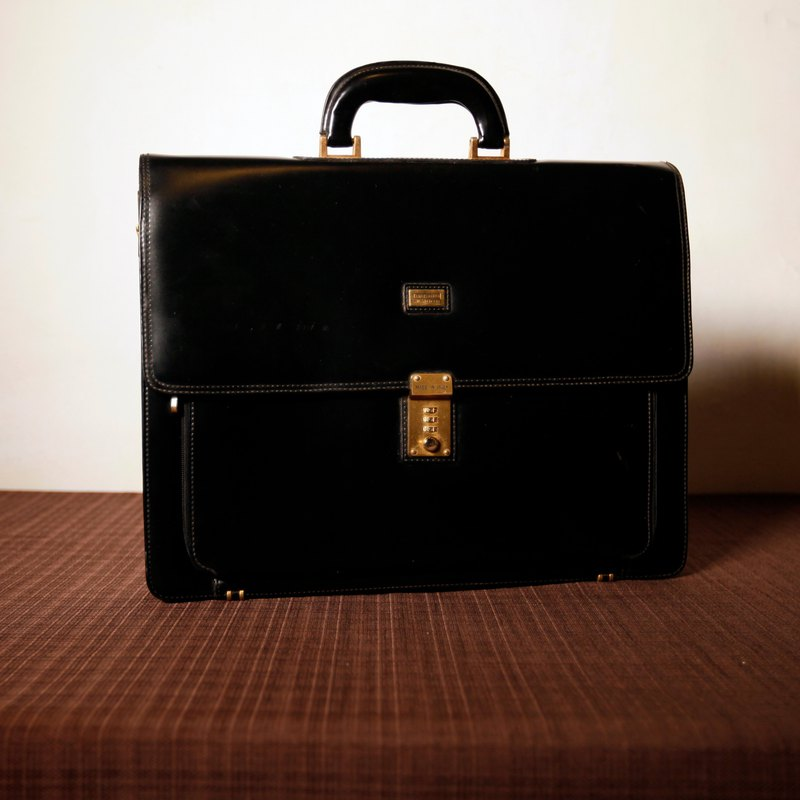 Shika Vintage Bag // black leather briefcase / antique bag old leather classic old only this one