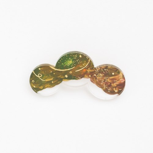 Picture of brooch [round]